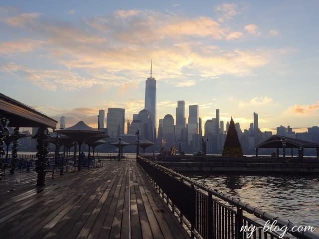 ジャージーシティから見るマンハッタンの朝焼け